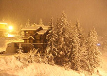 La Tania by night